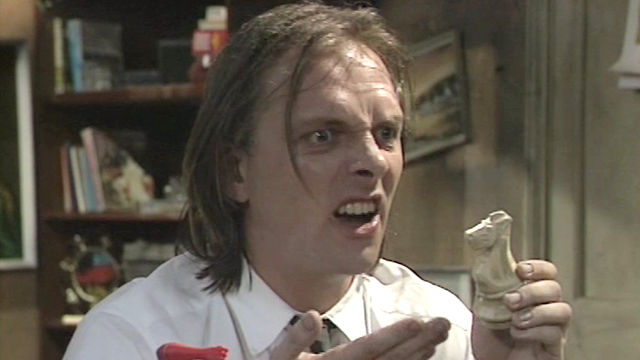5 of the best Rik Mayall Bottom scenes